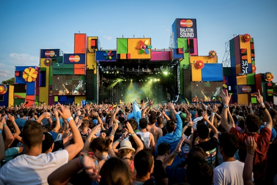 taxi and minibus transfer from budapest airport to balaton sound festival