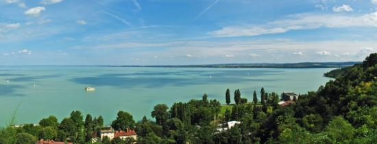 taxi transfer from budapest airport to lake balaton
