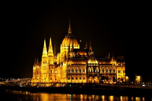 what to do in budapest parliament