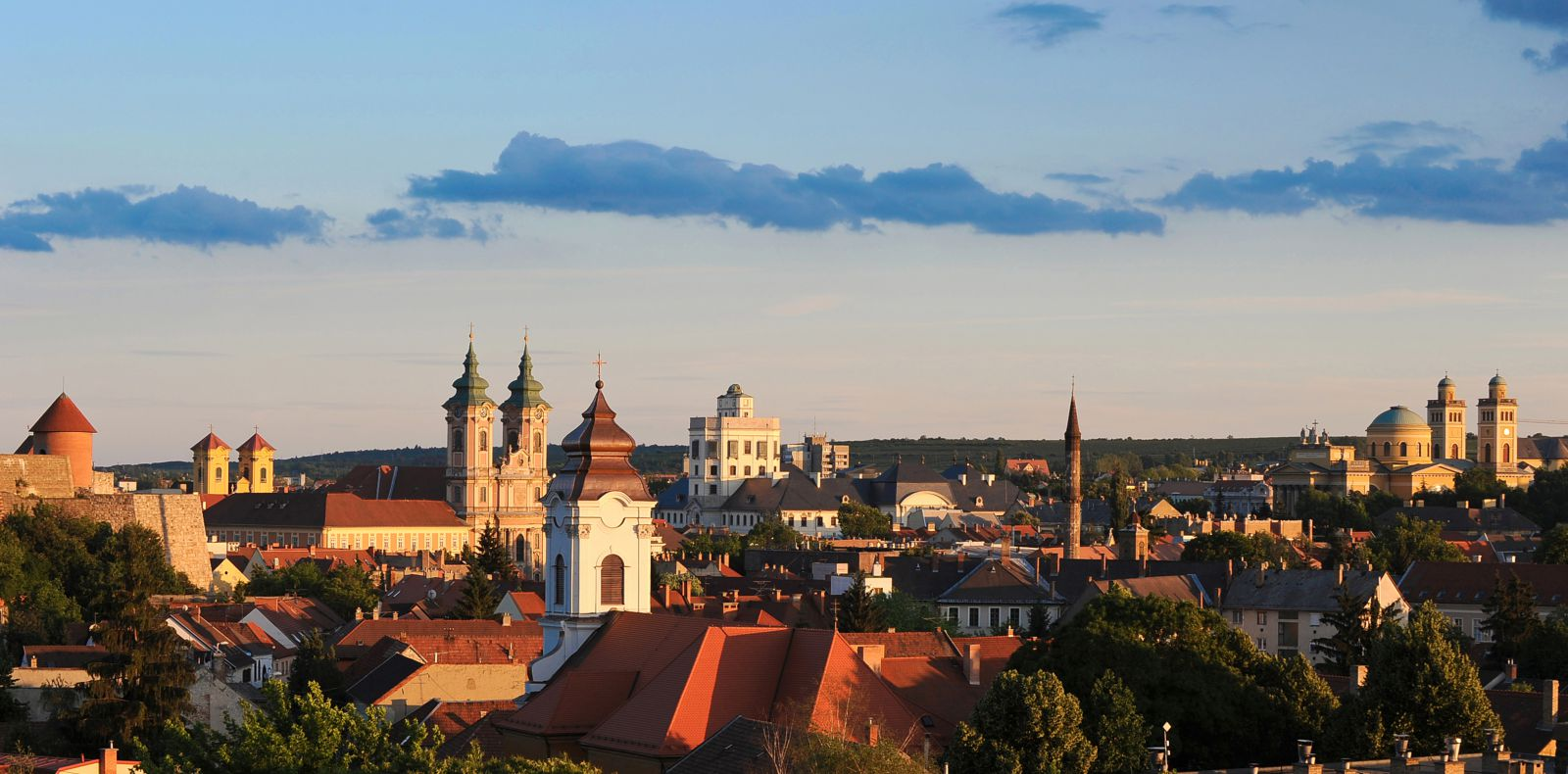 transfers from budapest airport to eger with taxi minibus and coach